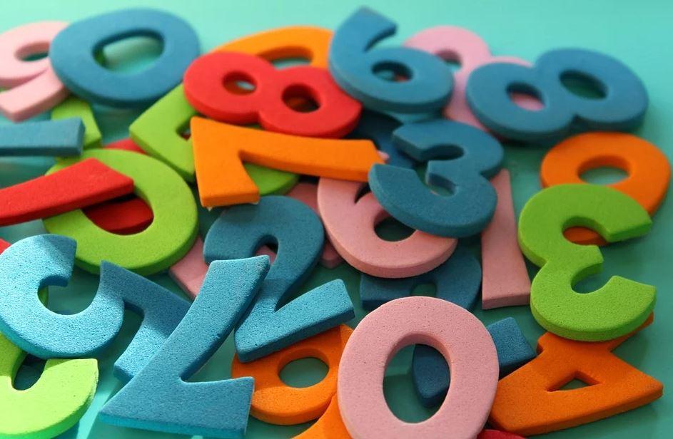 plastové číslice